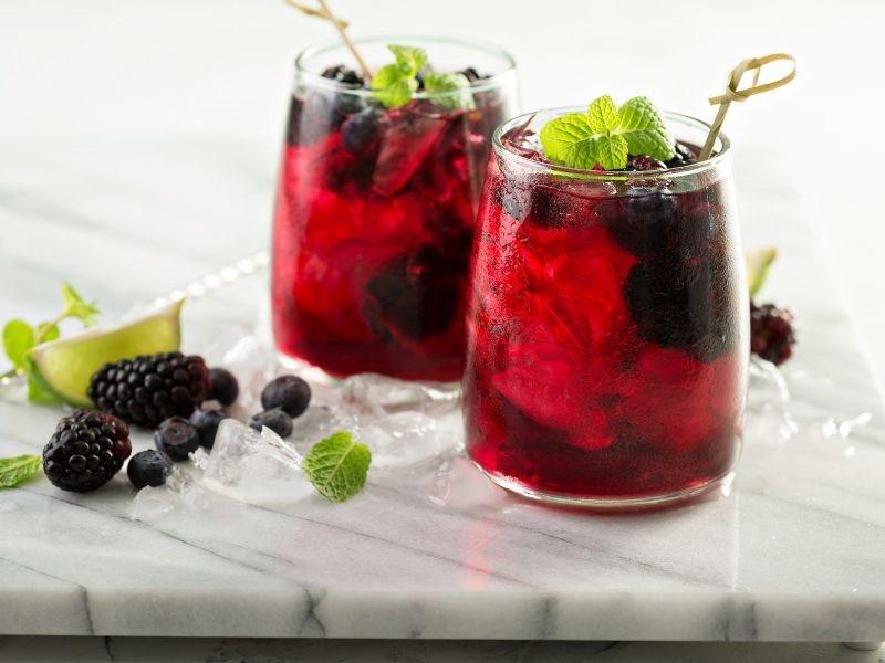 blackberry-bourbon-iced-tea