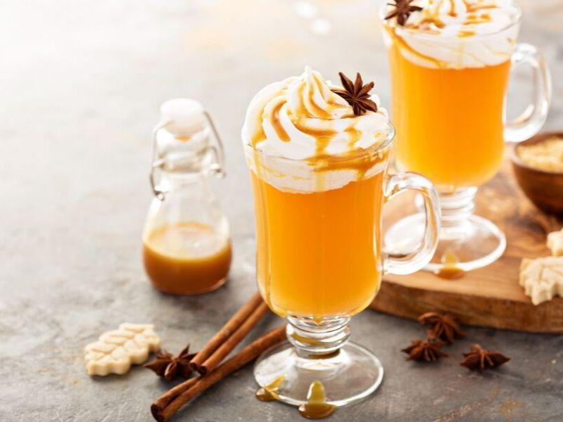 warm-apple-pie-cocktail